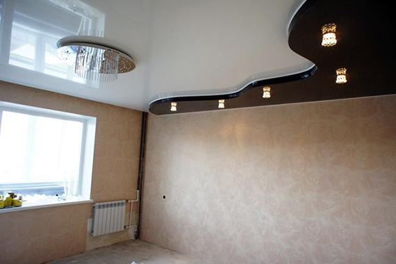 Комбинированный натяжной потолок, пример.