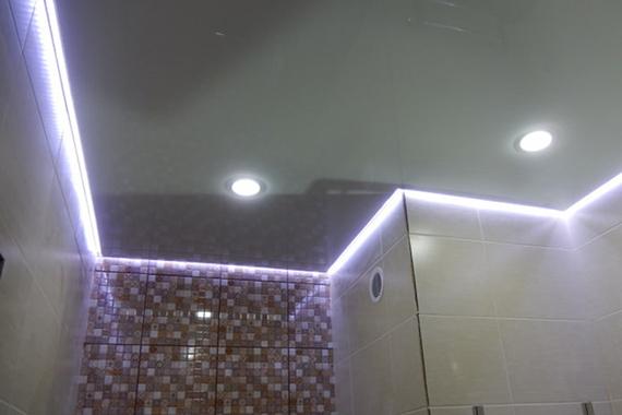 Парящий натяжной потолок, пример.